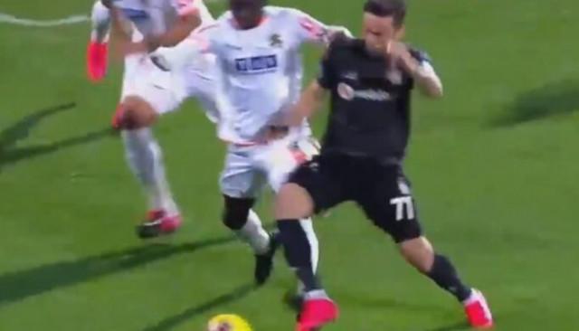 Alanyaspor Beşiktaş maçında penaltı tartışması
