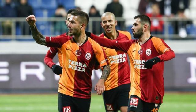Galatasaraylı Emre Akbaba, Adem Büyük ve Seri'nin açıklamaları
