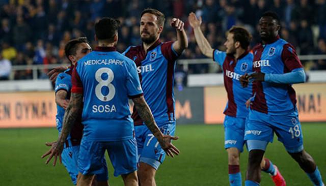 Trabzonspor hem lig hem de deplasman lideri