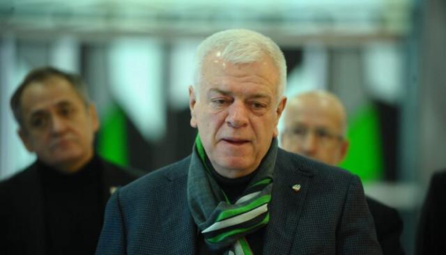 Bursaspor'un eski başkanı Ali Ay, kulüp üyeliğinden ihraç edildi