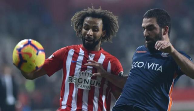 Nazım Sangare'yi Galatasaray istedi Beşiktaş transfer etti!
