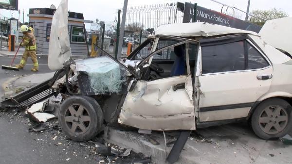 Bakırköy'de feci kaza: 1'i ağır 3 yaralı