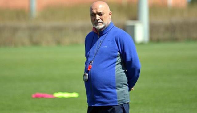 Hikmet Karaman'dan Yeni Malatyaspor'a ile 1.5 yıllık imza