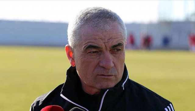 Rıza Çalımbay'dan Galatasaray'a saat göndermesi