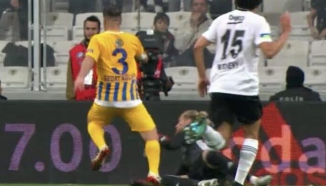 Beşiktaş - Ankagücü maçında penaltı tartışması