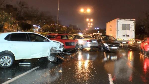 İstanbul'da zincirleme kazada 10 araç birbirine girdi