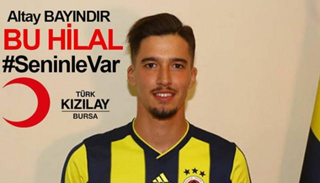 Fenerbahçe kalecisi Altay Bayındır'dan Türk Kızılay'ına bağış