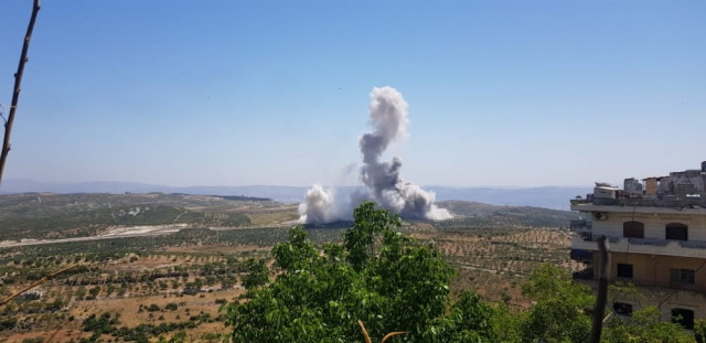 İdlib'den dumanlar yükseldi!