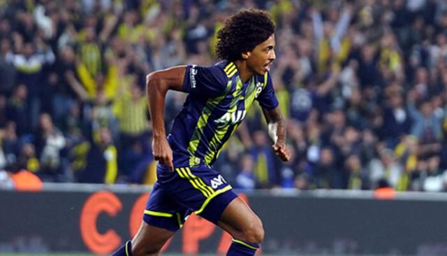 Lyon Fenerbahçeli Luiz Gustavo için teklif yapmaya hazırlanıyor