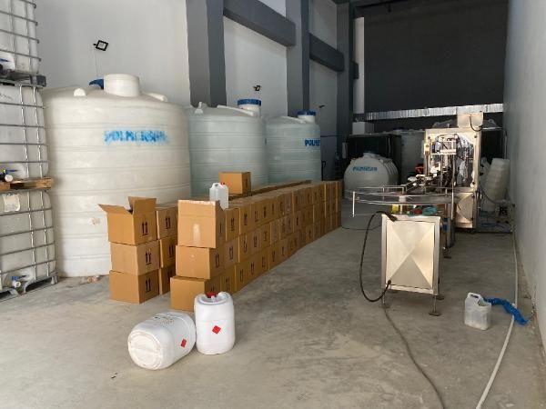 Tuzla'daki operasyonda 47 ton metil alkol ele geçirildi