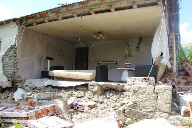 Bingöl sallanmaya devam ediyor! 219 artçı deprem oldu