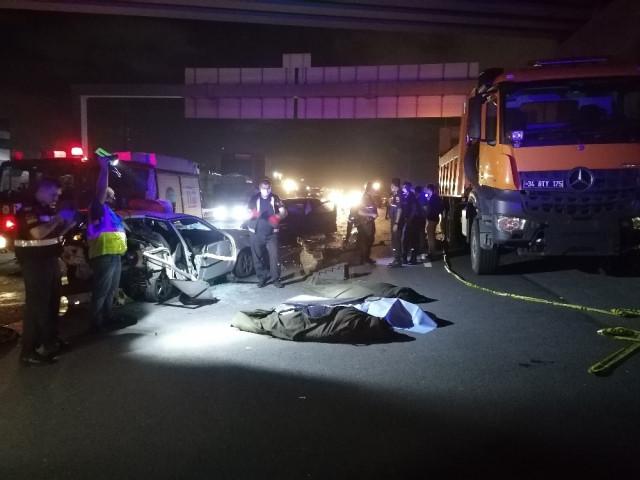 TEM Otoyolu'nda zincirleme kaza: 3 ölü, 4 yaralı