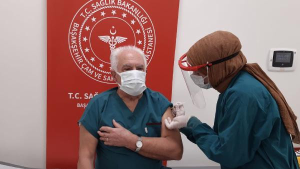 Doğu Perinçek de Covid-19 aşısı oldu
