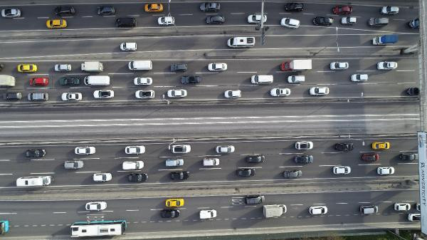 56 saatlik yasak öncesi İstanbul trafiği felç oldu