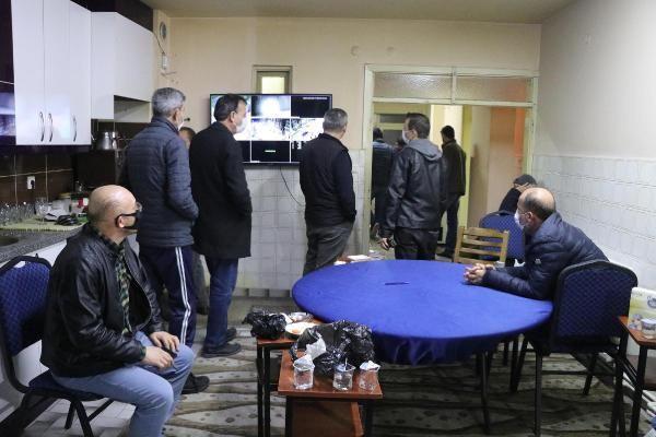 Kumar oynarken yakalanan 33 kişiye 150 bin TL ceza
