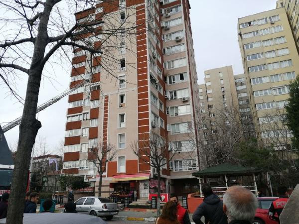 İstanbul'da 14 katlı binada patlama!