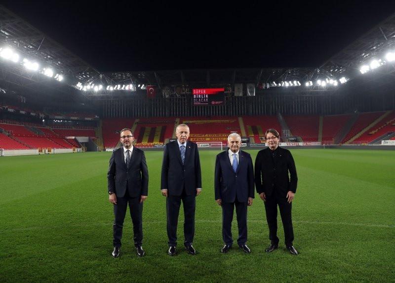 Erdoğan'dan dikkat çeken paylaşım: Durmak yok, gollere devam